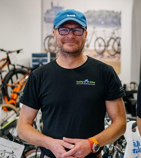 Mika Sevón - Sähköpyöräkauppias